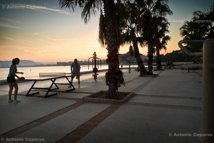 Malaga - seafront at dusk / Malaga - Lungomare al tramonto