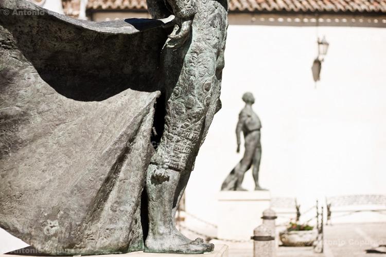 Ronda - Monument to blullfighters / Ronda - Monumento ai toreri