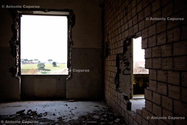 Former Marcigliana Psychiatric Hospital, now abandoned (2) - Bufalotta, Roma - Italy, March 2010