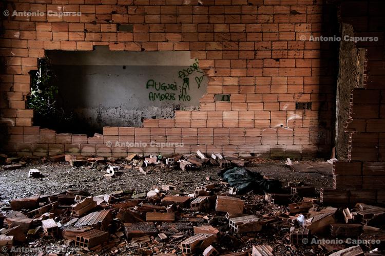 Former Marcigliana Psychiatric Hospital, now abandoned (3) - Bufalotta, Roma - Italy, March 2010