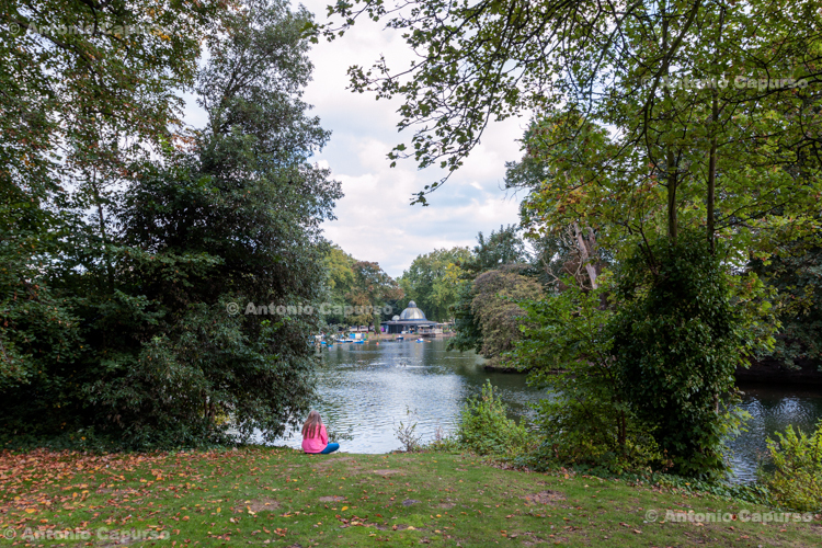 The lake of Victoria Park - Hackney, London - September 2014
