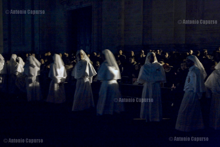 Confratelli di Sant'Antonio (during the last stretch of the Holy Saturday's procession all the city lights are off)