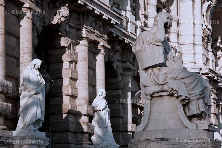 Palazzo di Giustizia (Palazzaccio) - Facade