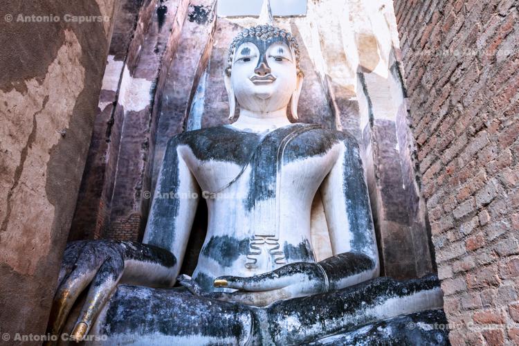 Sitting Buddha statue in Wat Si Chum Temple - Sukhothai - Thailand, 2013