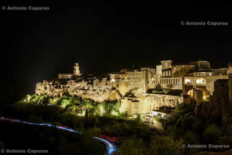 Pitigliano at night - Tuscany - Italy (November 2012)